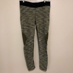 NIKE Women Leggings